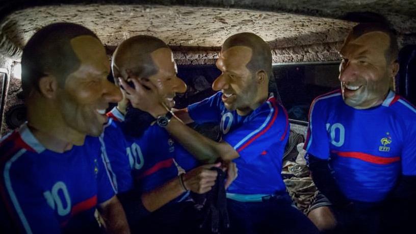 berita bola - Video Klip Keren! Lagu Berjudul 'Zinedine Zidane' Buatan Vaudeville Smash