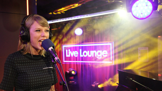 music-taylor-swift-live-lounge-2